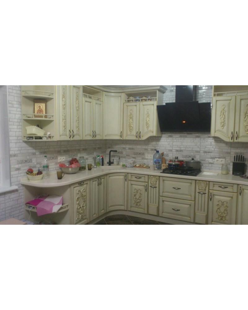 Кухня из Ясеня Угловая с резьбой 207