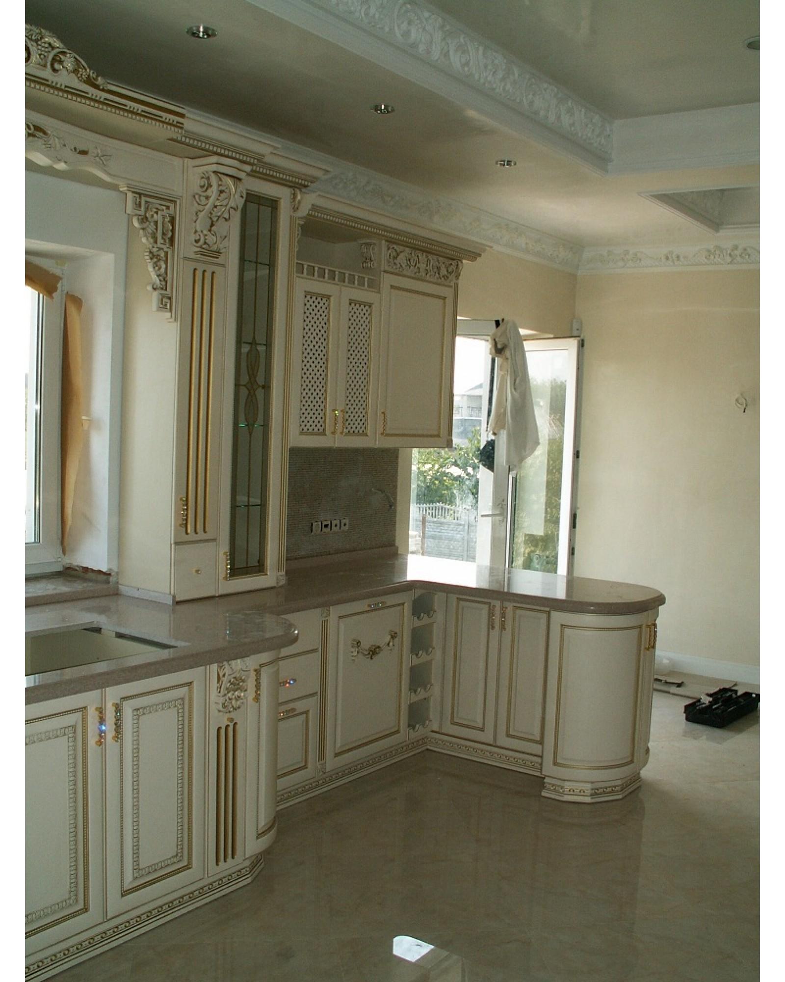 Кухня из Ясеня Угловая с резьбой 033